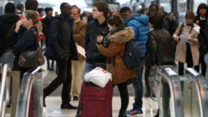 Забастовка приносит проблемы как пассажирам, так и компаниям