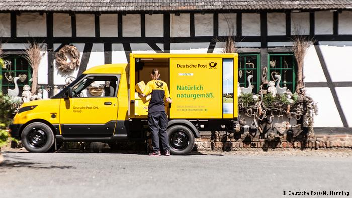 DHL начал производить электромобили для доставки посылок